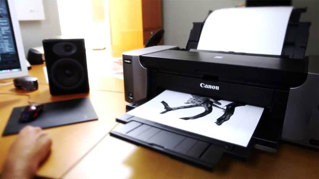 Pixma pro 100 on a desk